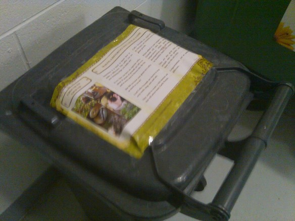 workplace bin for collecting coffee grounds in the office