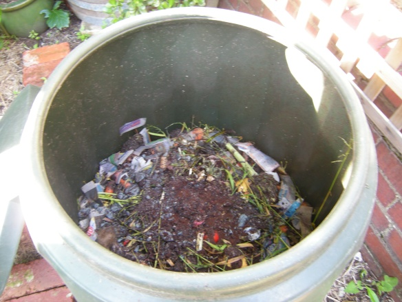 Compost mixture of coffee grounds and other organic material