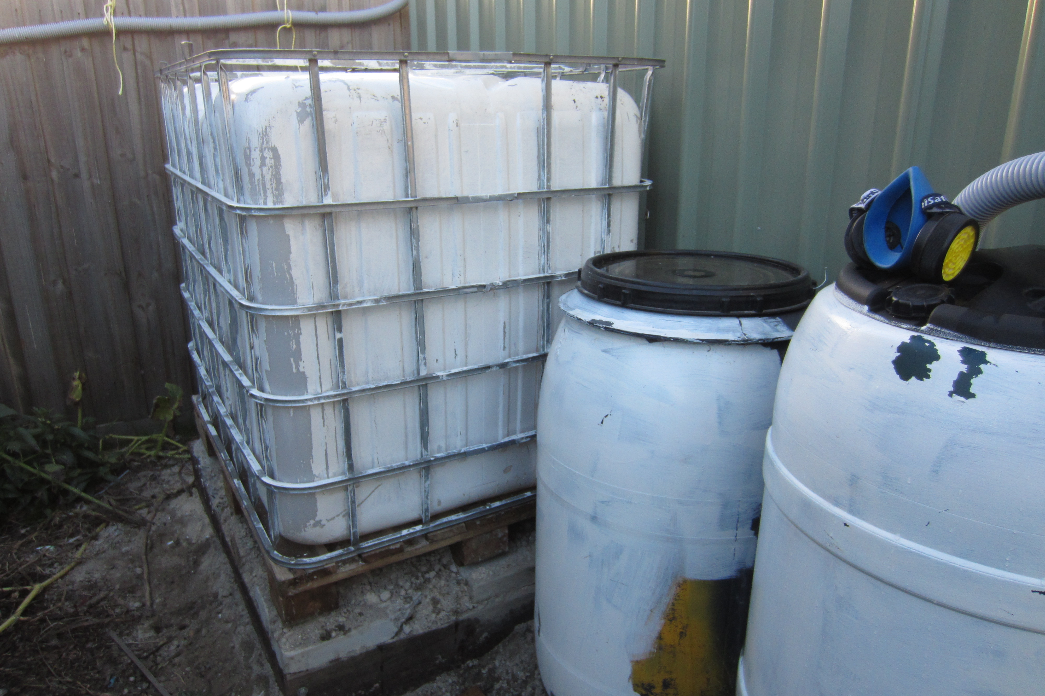 1000 Litre IBC Container for Water Storage | Ground to Ground