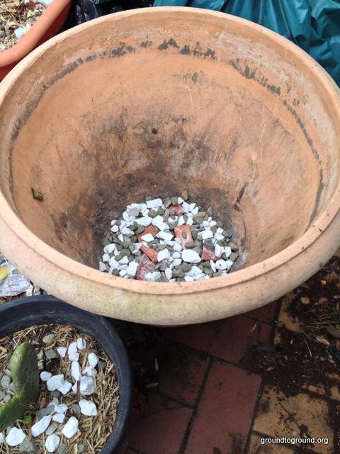 rock-base-pot
